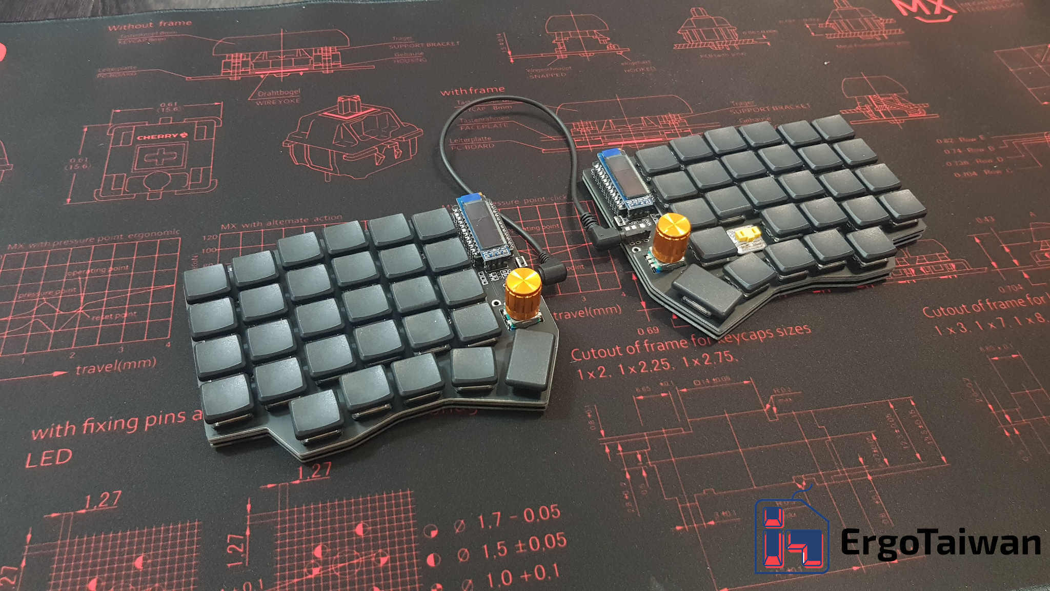 Soflekeyboard Feature 1 2048 Q50 Logo